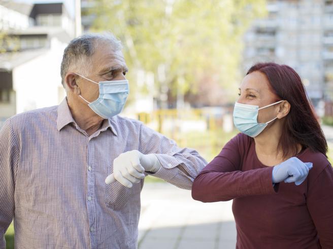 Perché il coronavirus colpisce più gravemente gli uomini?