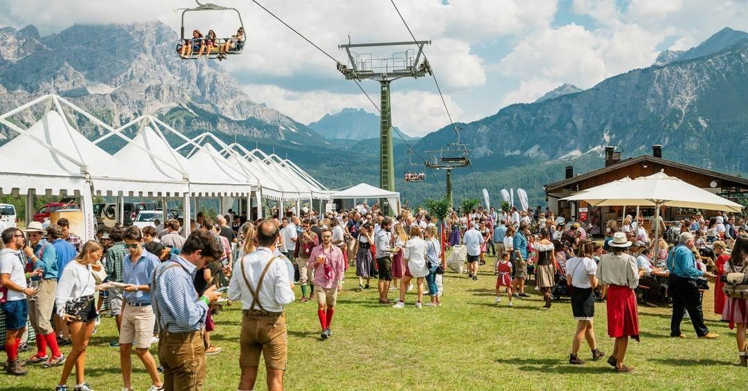Le foto del party dalla pagina Instagram Cortina 2021