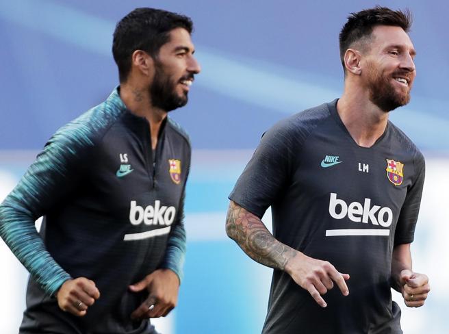 Messi-Barcellona, il retroscena con sgarbo alla Juve: «Non vendete Suarez»