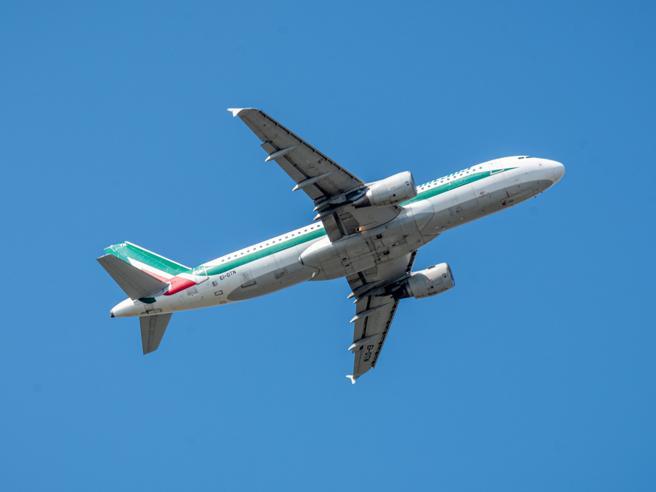 Nuova Alitalia, settimana decisiva: il via alla newco forse mercoledì