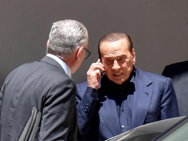 Condizioni Berlusconi, il nuovo bollettino di Zangrillo: «Quadro clinico in miglioramento»