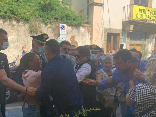 Mateo Salvini se potukao sa crnkinjom iz Konga na predizbornom skupu u Toskani WhatsApp%20Image%202020-09-09%20at%2013.39.54-kIG-U460801241452629i9-1224x916@CorriereFiorentino-Web-Firenze-593x443-kkBE-U3210506391483a0H-656x492@Corriere-Web