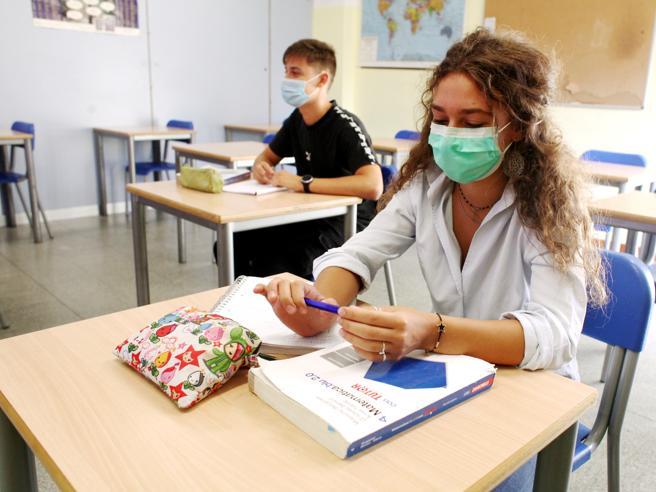 Coronavirus, Locatelli: «La scuola non apre per richiudere, ma le famiglie siano responsabili»