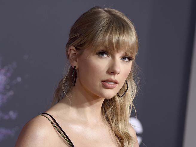 Taylor Swift, il suo stalker condannato a 30 mesi di prigione