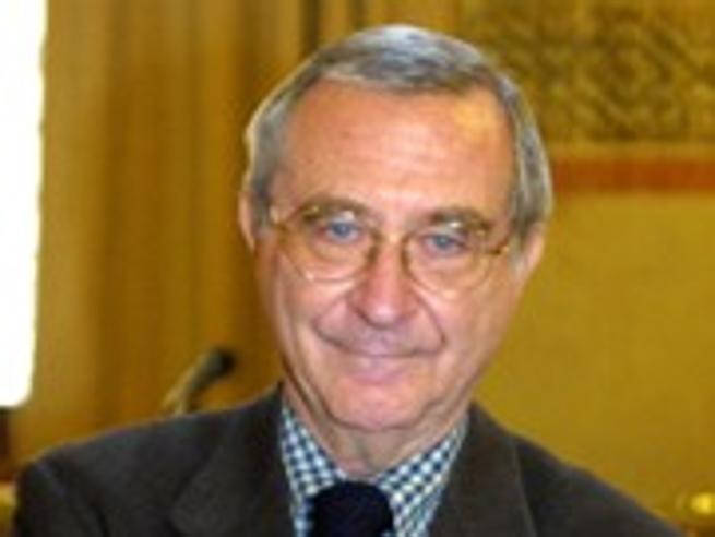 Morto Enzo Golino, giornalista colto e pungente con leggerezza