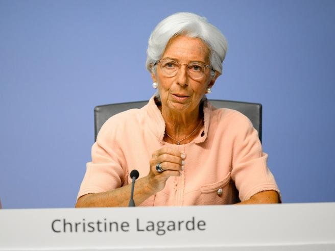 Lagarde per i diritti delle donne: ancora troppo poche ai vertici (anche alla Bce)