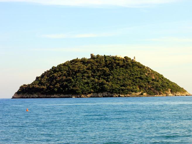 Lo Stato  ora vuole  comprare l'Isola Gallinara