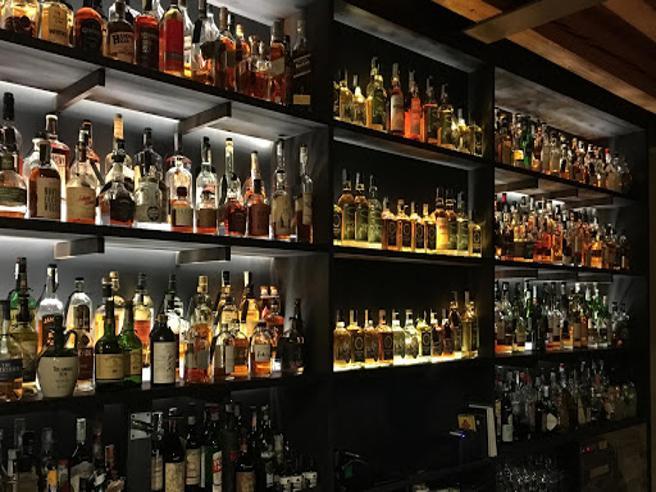 Il racconto dei maestri e bottiglie memorabili: è la Whisky revolution