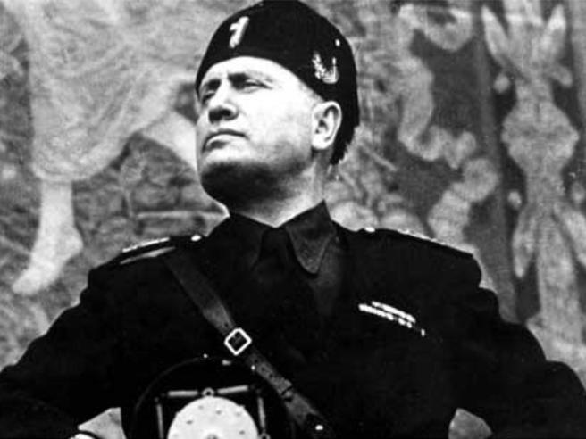 «M» di Antonio Scurati, il secondo romanzo della serie su Mussolini