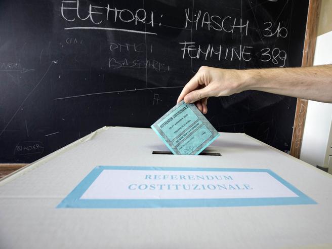 Affluenza alle urne alle ore 23 per referendum ed elezioni regionali 2020: i dati