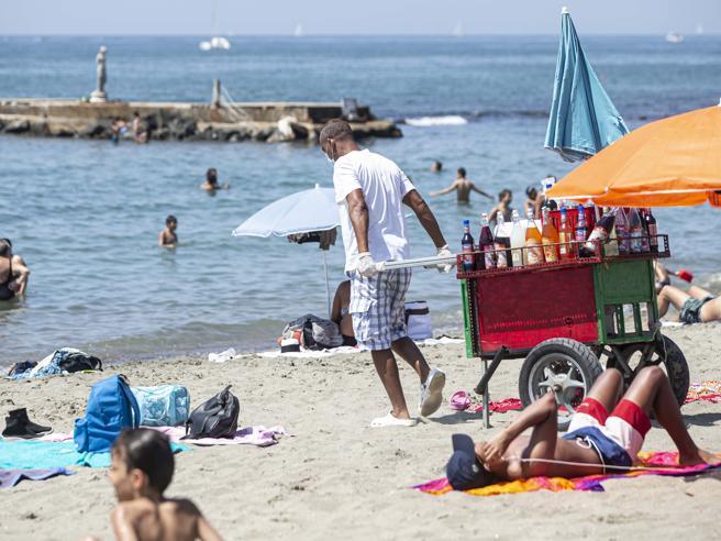 Stagione balneare flop,gli incassi giù del 40%Turisti, crollo di presenze