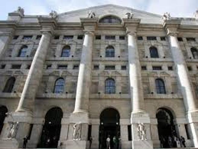 Borsa, Milano crolla: chiude a -3,75%