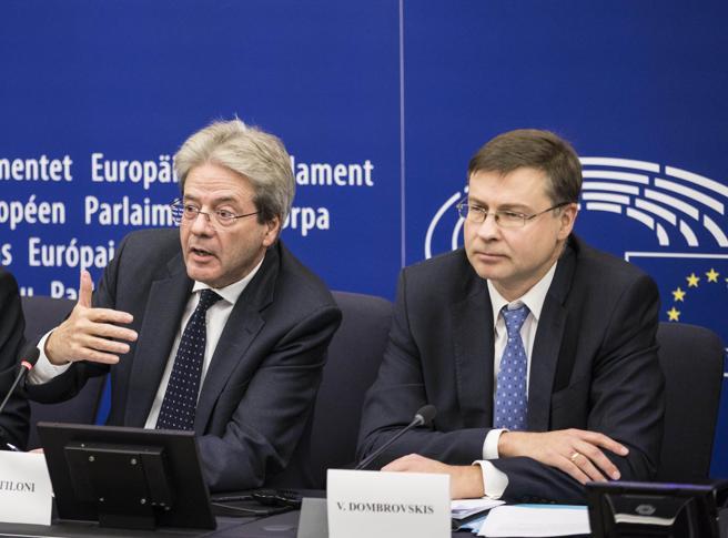 Lettera Ue all'Italia: patto di stabilità sospeso anche nel 2021. Spread ai minimi