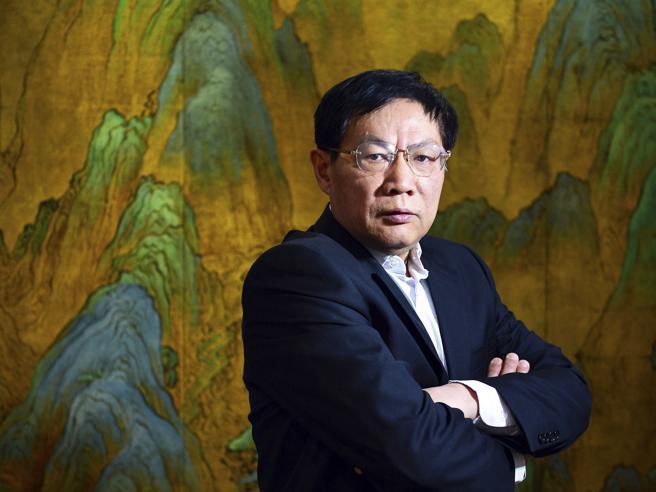 """Diede del """"pagliaccio"""" a Xi Jinping: il miliardario Zhiquiang  condannato a  18 anni di carcere"""