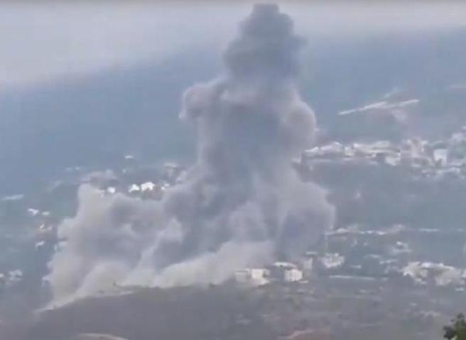 Libano, esplosione nel sudin un deposito di armi di Hezbollah