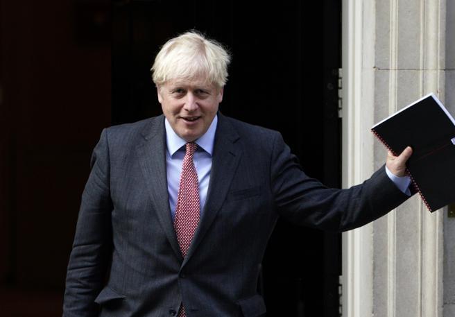 Boris Johnson non ricorda che uno dei medici che lo ha salvato è di Catanzaro