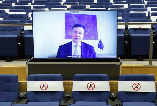 Arriva la «bad bank» (pubblica) per gestire i fallimenti. Bruxelles dice sì