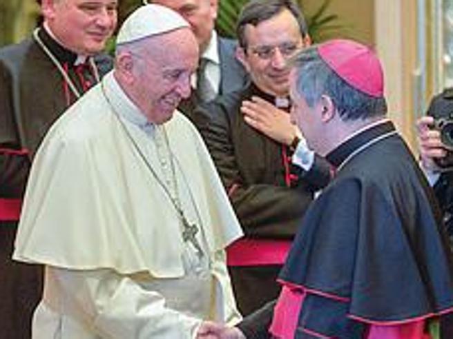 Che cosa c'è dietro le dimissioni del cardinale Becciu, e perché la tregua in Vaticano è finita