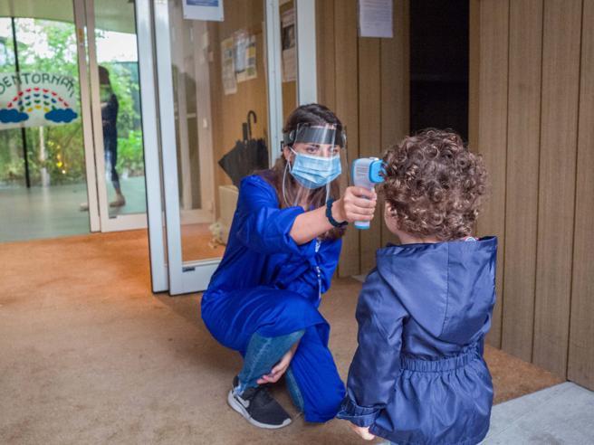 Coronavirus scuola, la nuova circolare: senza tampone non si torna in classe dopo assenza con sintomi sospetti
