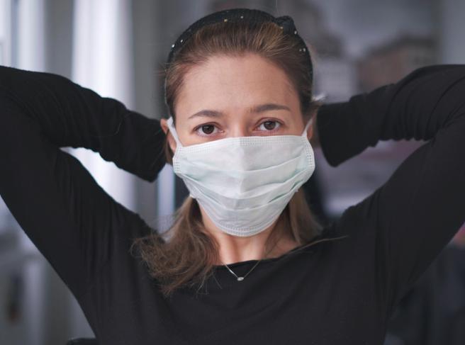 La mascherina potrebbe essere un «vaccino rudimentale»?