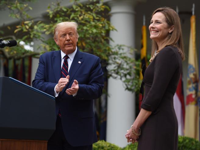 Amy Coney Barrett: chi sono gli «originalisti» di cui fa parte la giudice nominata da Trump