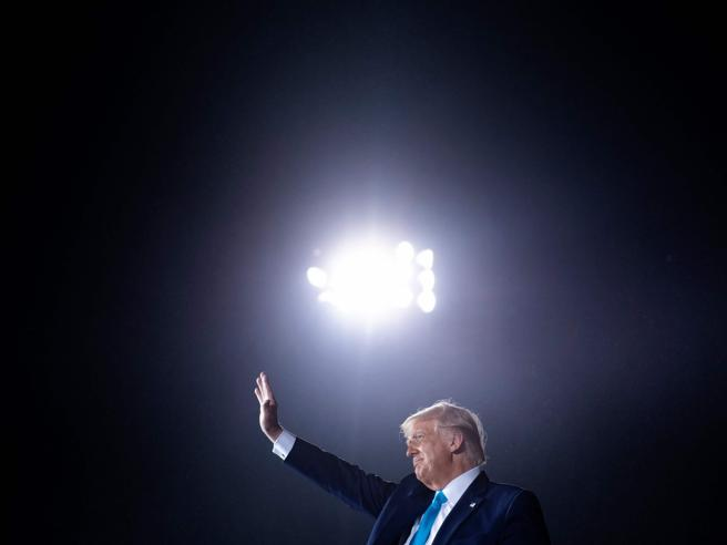 Trump, il New York Times pubblica le sue dichiarazioni dei redditi: «Per anni  non ha pagato le tasse»