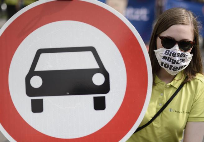 Auto diesel: conviene ancora comprarle? I blocchi alla circolazione, anno per anno