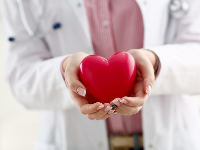Il vaccino antinfluenzale protegge i cardiopatici (anche contro il Covid)