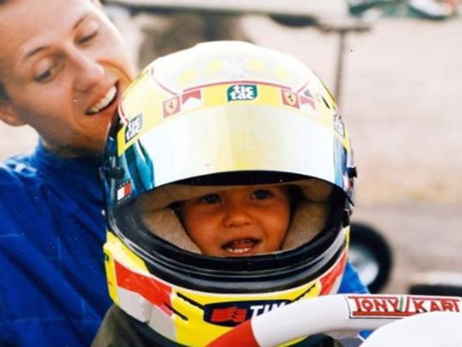 Michael e Mick Schumacher, quella foto tenerissima in cui papà portava sul kart il figlio futuro pilota