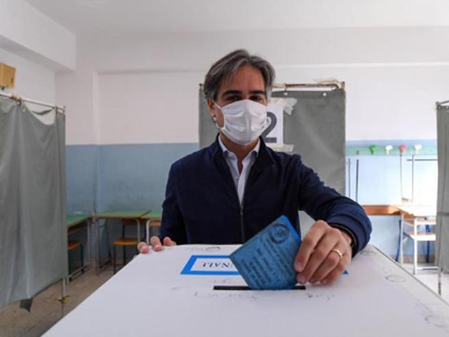 Elezioni comunali, i risultati dei ballottaggi: tutti i sindaci eletti