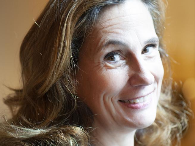 Ilaria Capua: «Covid, ecco le regole per proteggerci. La vita notturna va reinventata»