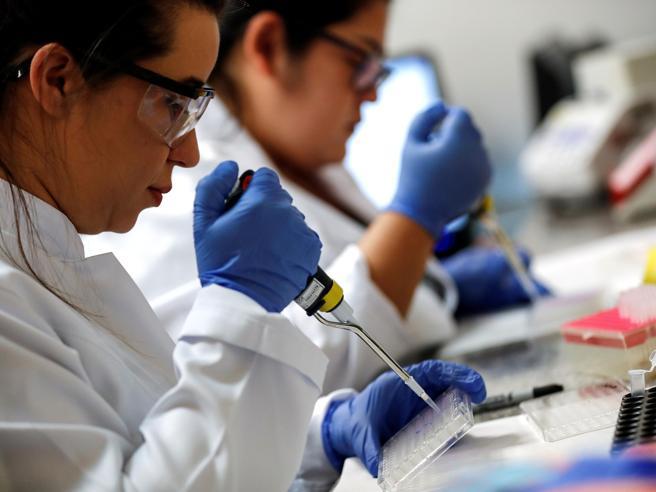 Coronavirus: donna muore dopo essersi reinfettata. Cosa sappiamo sulle «seconde volte»