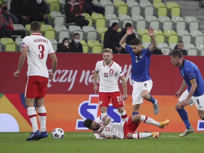 Allarme Covid per la Nazionale di calcio: tampone incerto per uno degli azzurri