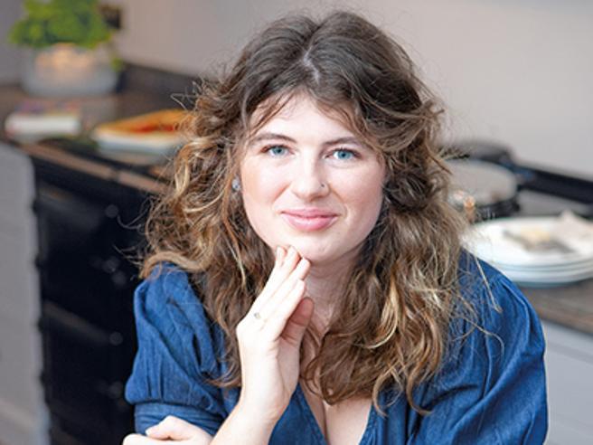Ella Risbridger: «Così cucinare mi ha guarito da ansia e attacchi di panico»