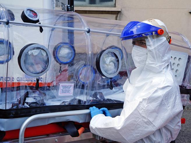 Raddoppiano i contagi in Lombardia: 4.126 in un giorno,  a Milano sono 1.858 Focolaio al Sacco: casi tra medici e infermieri