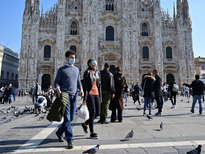 Il coprifuoco dalle 23 anche in Campania Salvini frena l'ordinanza della Lombardia