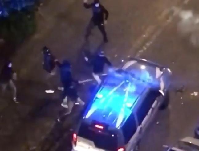 Coronavirus, scontri a Napoli: «Sapiente regia criminale dietro le proteste»