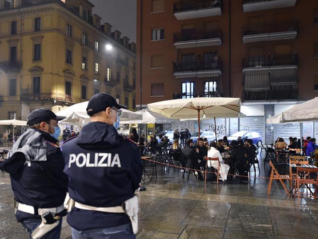 Coprifuoco Covid Italia |  le misure in vigore in Lombardia |  Lazio e Campania |  autocertificazione e orari