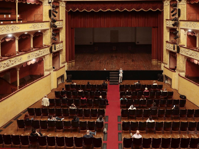 Cinema e teatri chiusi, un «segnale» sbagliato