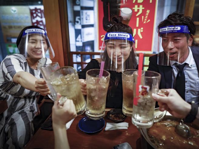 Contagi al minimo in Giappone e Corea  La chiave? L'uso dei big dataIl metodo cinese: 1 caso, 4 milioni di tamponi