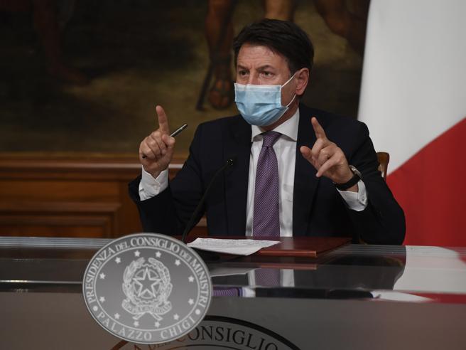 """Conte: «In Italia siamo allo scenario di tipo 3 False le voci su un lockdown imminente»Cosa vuol dire (e implica) lo """"scenario 3"""""""