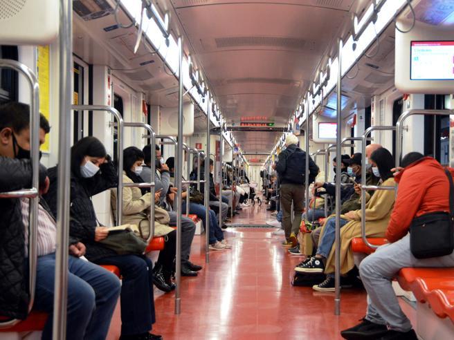 Trasporti  e Covid, il caos: inutilizzati 180 milioni. E i pullman privati restano nelle rimesse