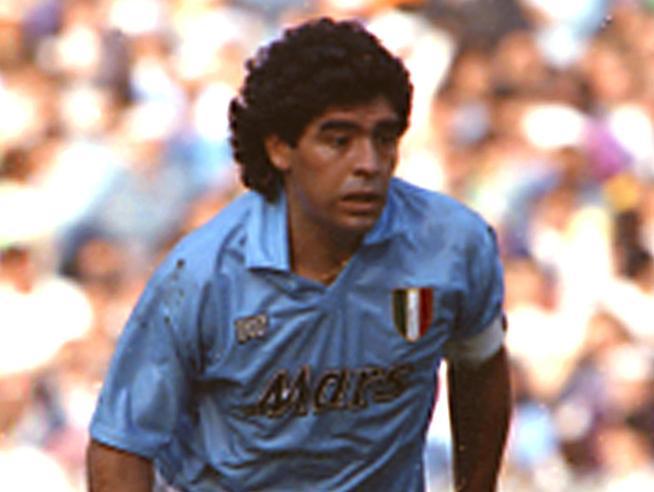 Maradona ha 60 anni: Diego simbolo di liberazione, ha giocato il calcio più bello di sempre