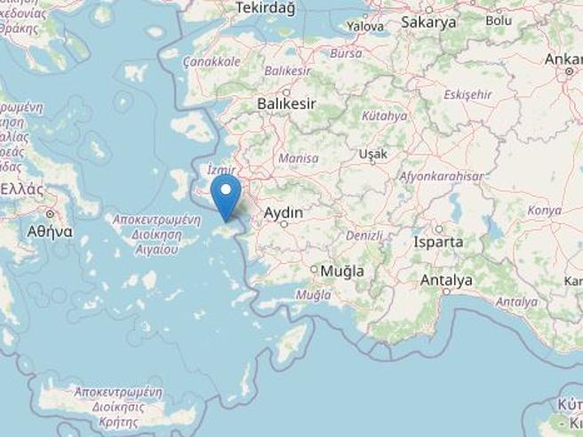 Terremoto di magnitudo 6,7 nel Mar Egeo: a Smirne morti e 20 edifici crollati Diretta