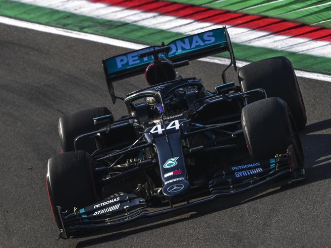 F1 Gp Imola, le qualifiche: pole Bottas davanti a Hamilton e Verstappen. Ferrari: Leclerc 7°, Vettel 14°