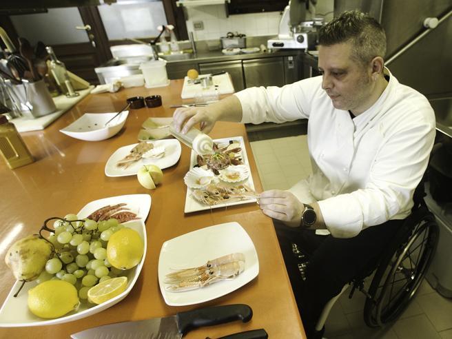 Omar Papait: «Io chef in carrozzina cucino pensando a chi è come me»