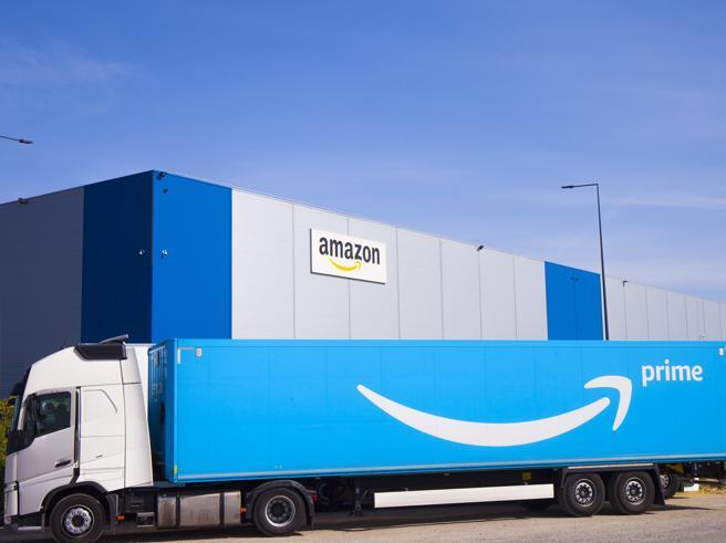 «Natale senza Amazon»: la petizione in Francia a favore dei piccoli negozi