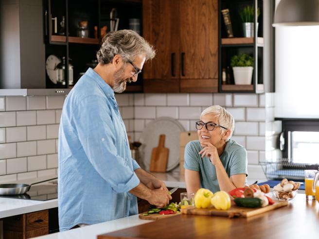 Dieta in menopausa: i consigli per renderla «light». Più qualche suggerimento anche per gli over 5o