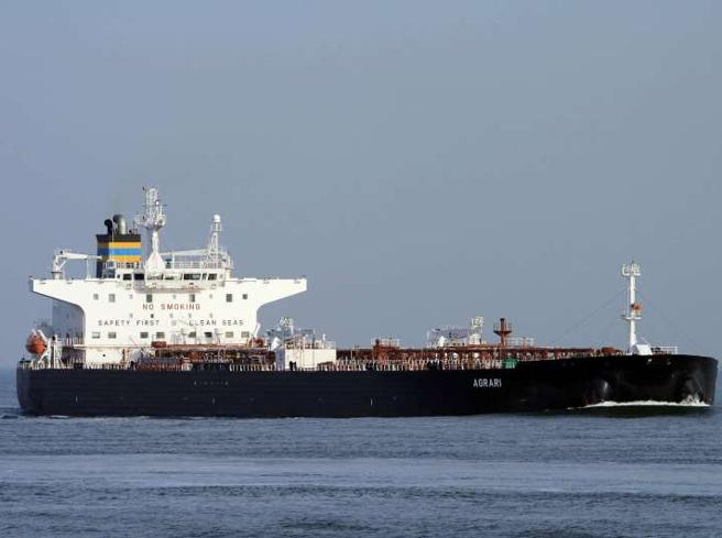 Arabia Saudita, un'esplosione danneggia una petroliera nel Mar Rosso