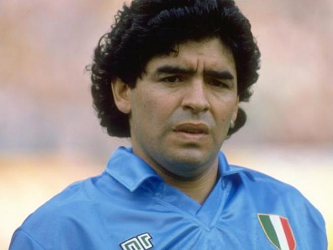 Maradona è morto: «Arresto cardio-respiratorio»